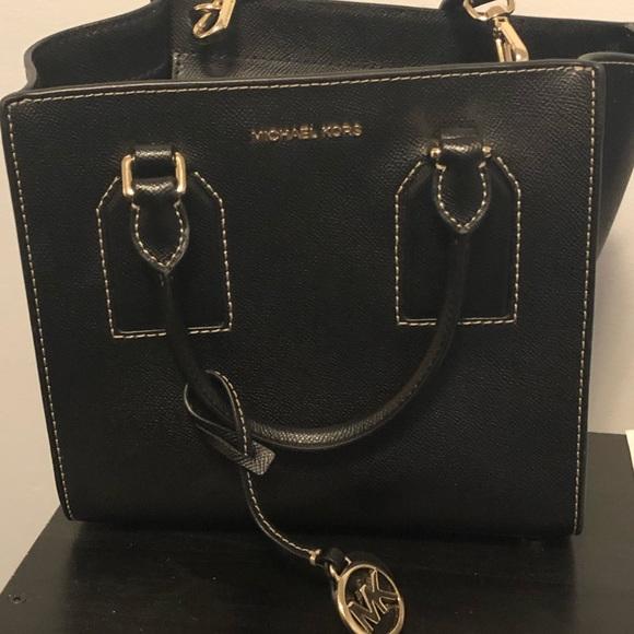 Michael Kors Handbags - Michael Kors Black Selby medium crossgrain satchel